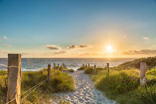 Zejście na plażę - majówka 2020 w Międzyzdrojach